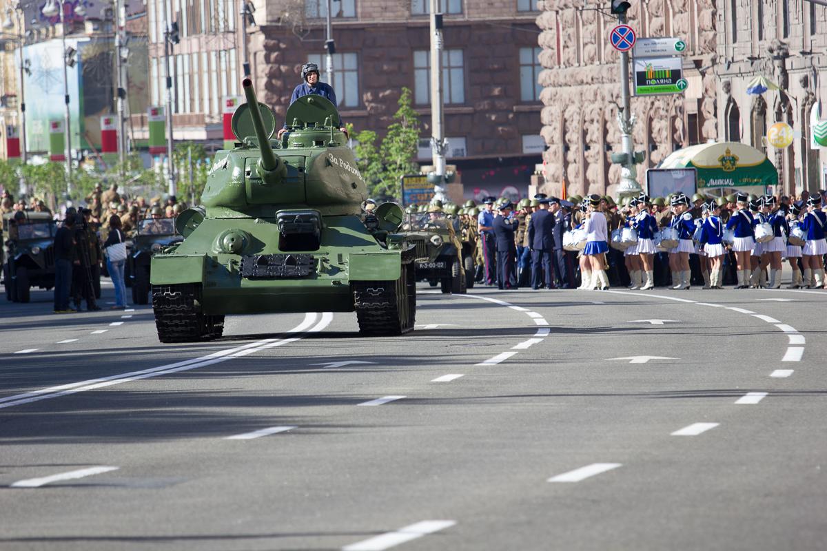 Парад Победы в Киеве обошелся без тяжелой военной техники