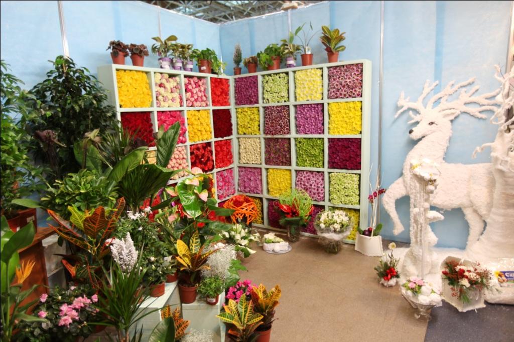В Екатеринбурге флористы создадут платья из живых цветов