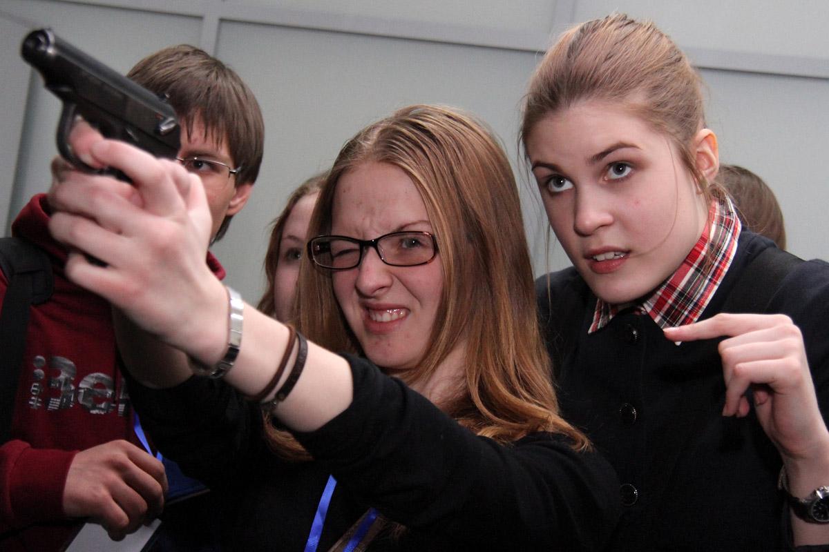 В Екатеринбурге дети устроили перестрелку с инкассаторами