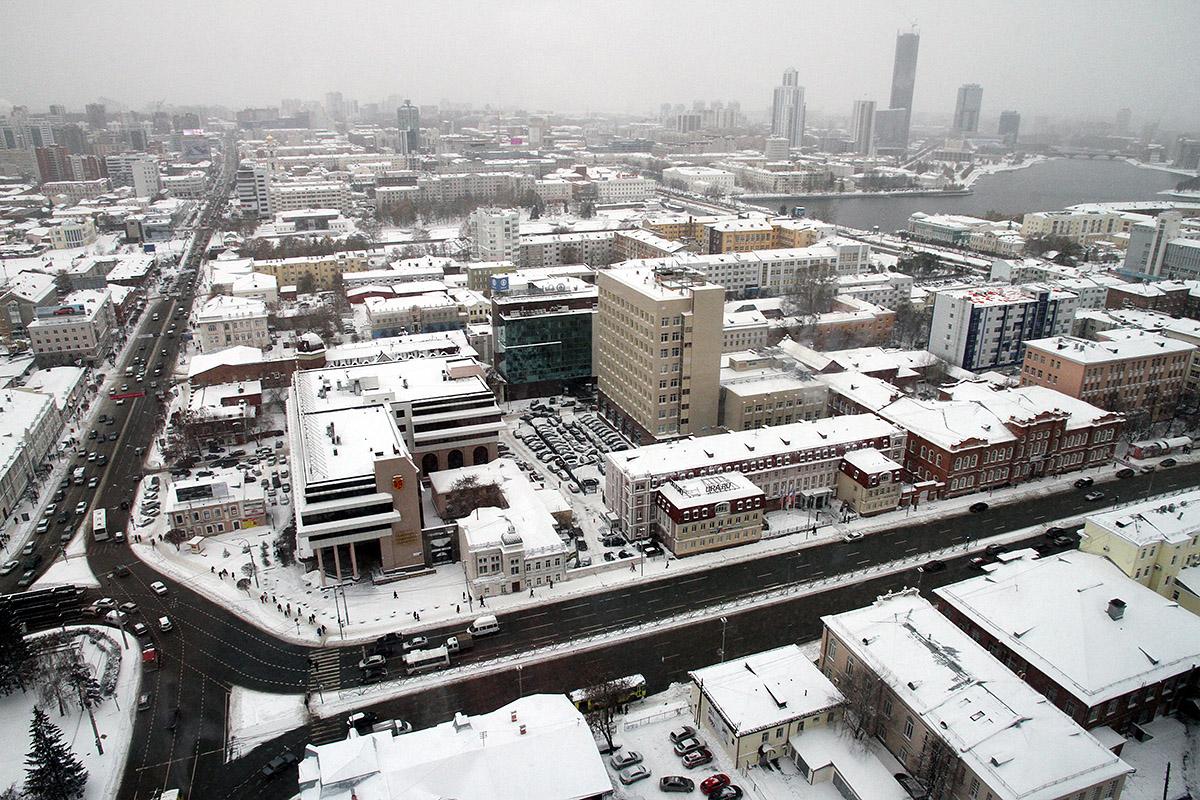 Город не для людей: в Екатеринбурге расчистили только центр
