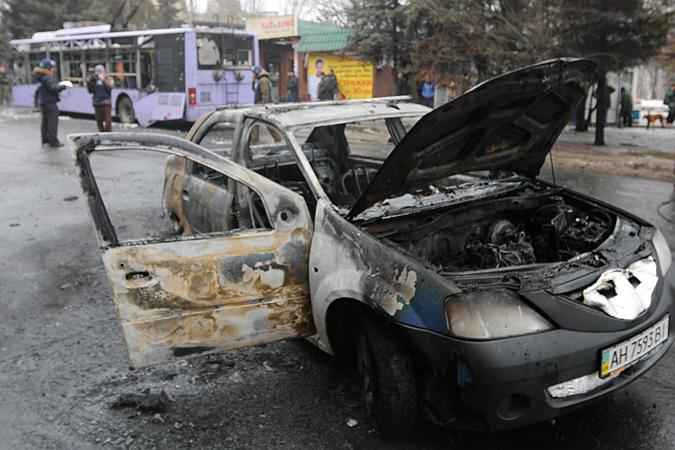 В Донецке снаряд ВСУ попал в остановку и троллейбус: погибли 13 человек