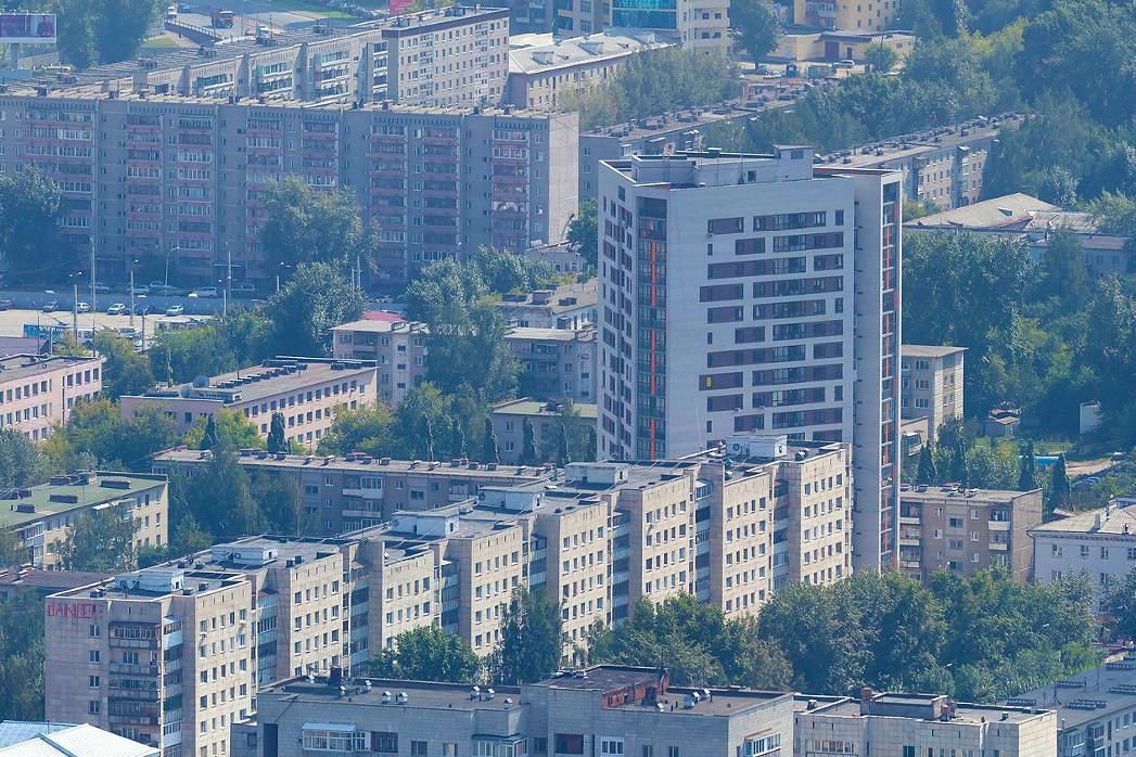 Последствия точечной застройки: как у жильцов трех домов отобрали двор
