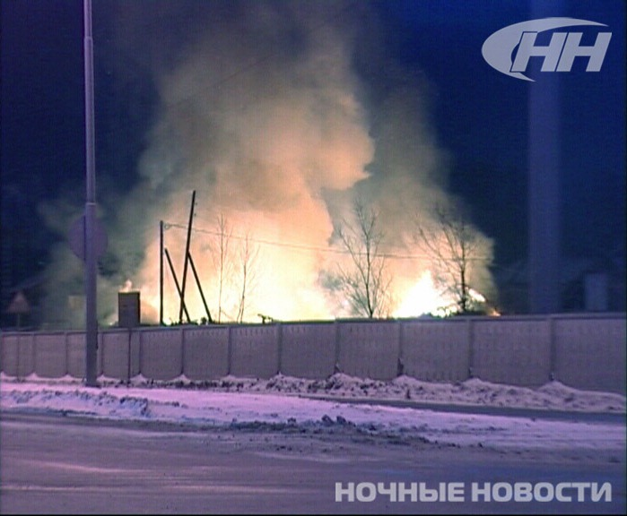 Ночью на ВИЗе сгорели два частных дома