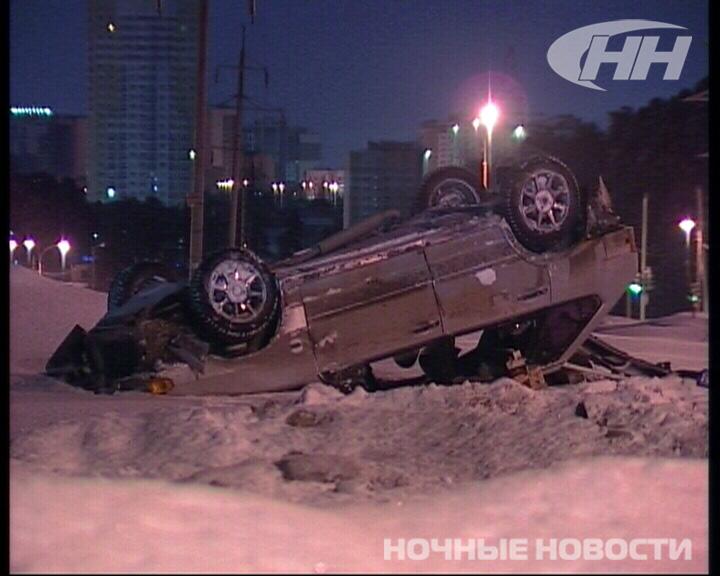 На Московской перевернулась машина с тремя пассажирами