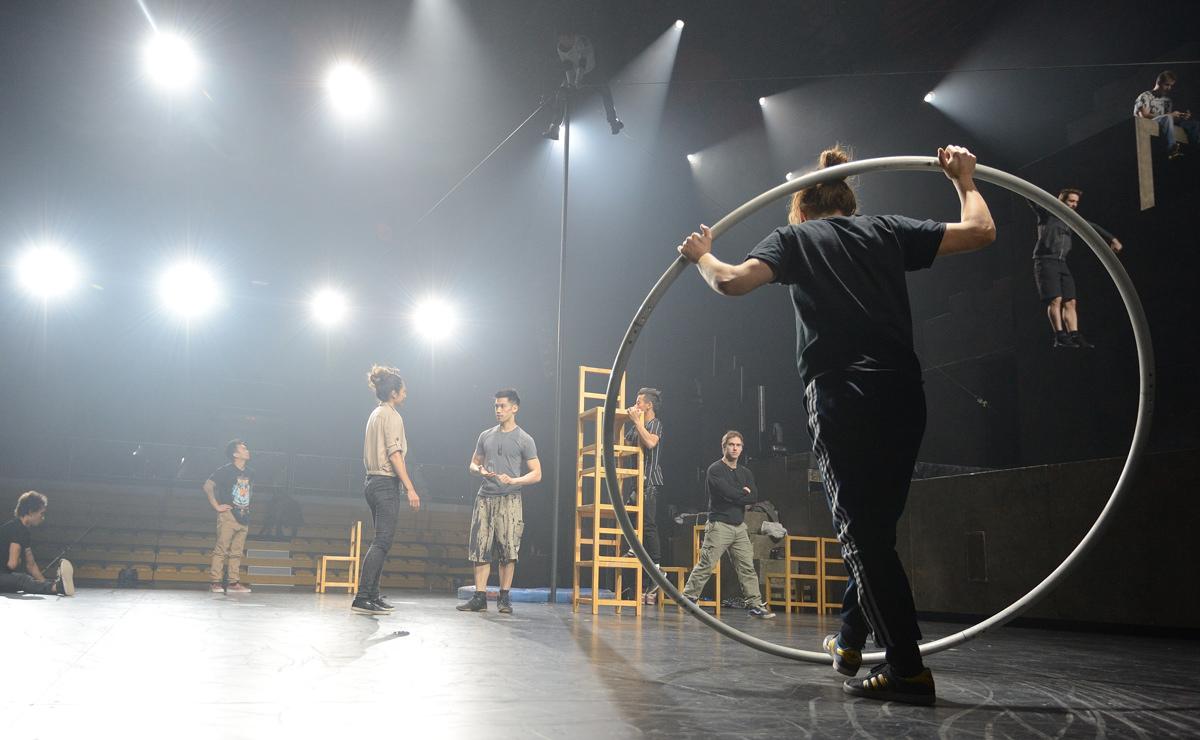 «Прикупили в Екатеринбурге матрешек и водку». Лучшие моменты репетиции Cirque du Soleil в ДИВСе