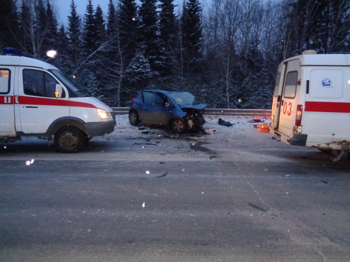 Один человек погиб и пятеро пострадали в смертельном ДТП под Нижним Тагилом