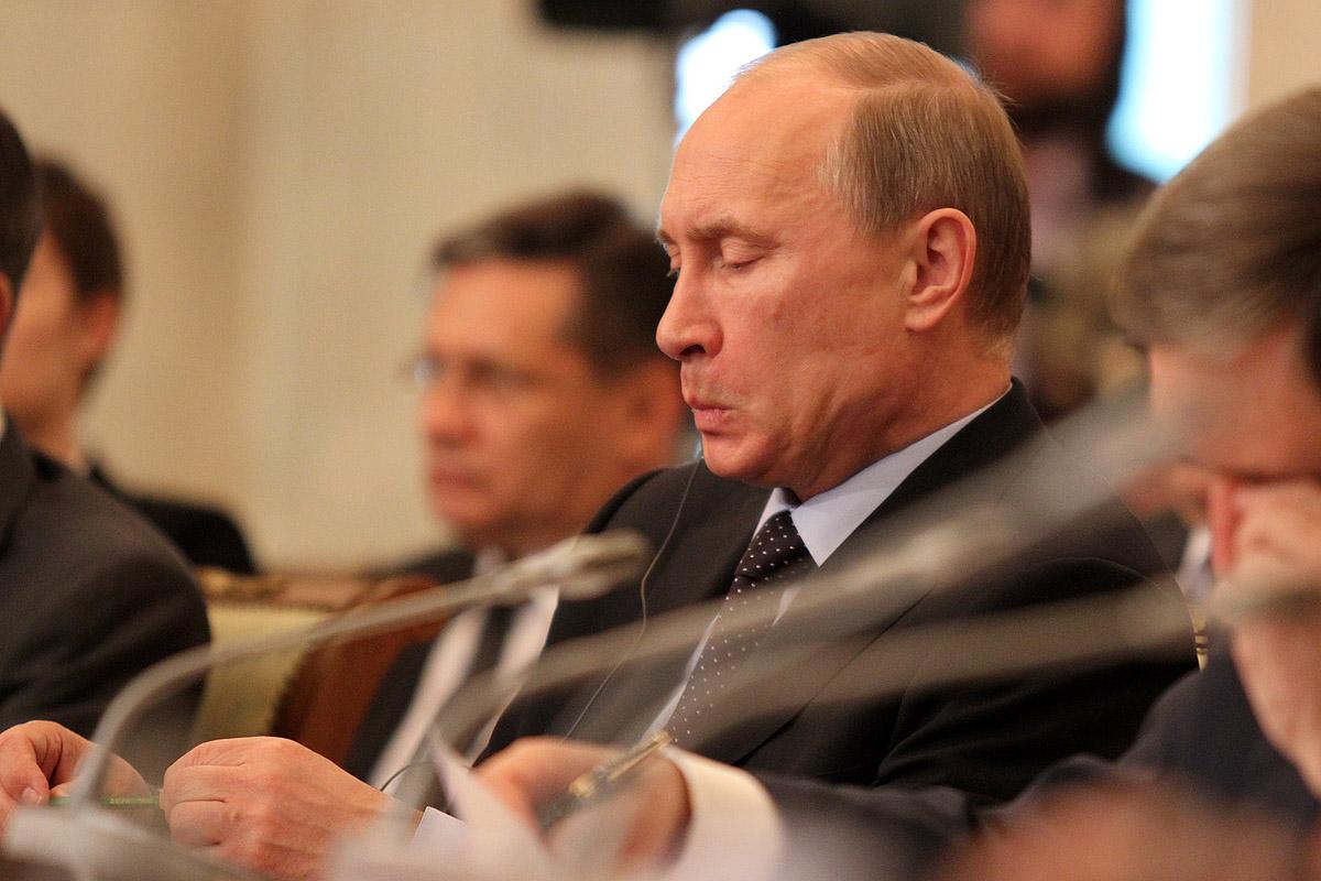 Владимир Путин решил вернуть налог с продаж