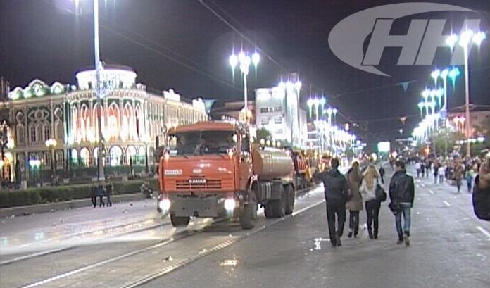 Екатеринбуржцы в День города оставили на улицах 830 кубометров мусора