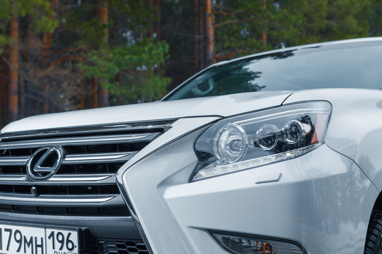 Под маской брутала: тестируем обновленный Lexus GX460
