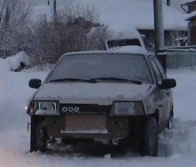 Неопытная автоледи серьезно травмировала девушку в Нижней Салде