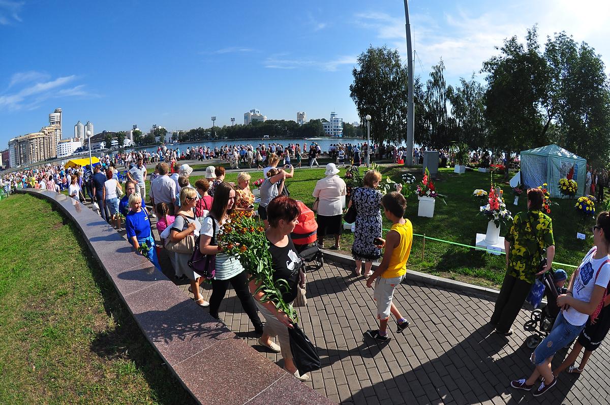 Ко Дню города в Екатеринбурге украсят шашлычные