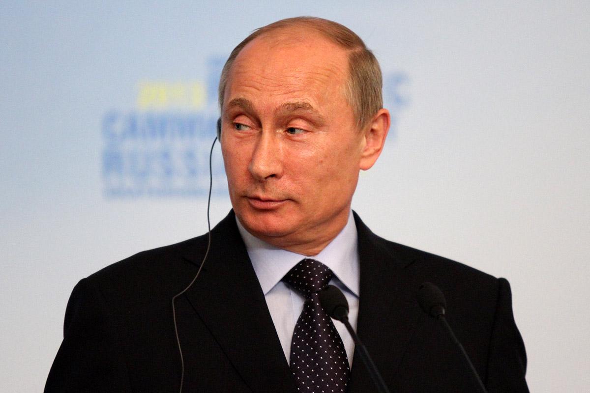 Путин пожаловался на ржавую воду из-под крана