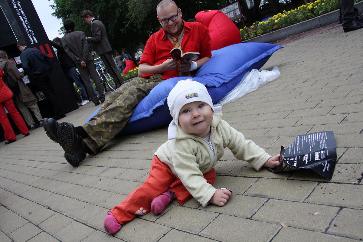 На слете одиноких отцов в Екатеринбурге выберут «самого ловкого» папу