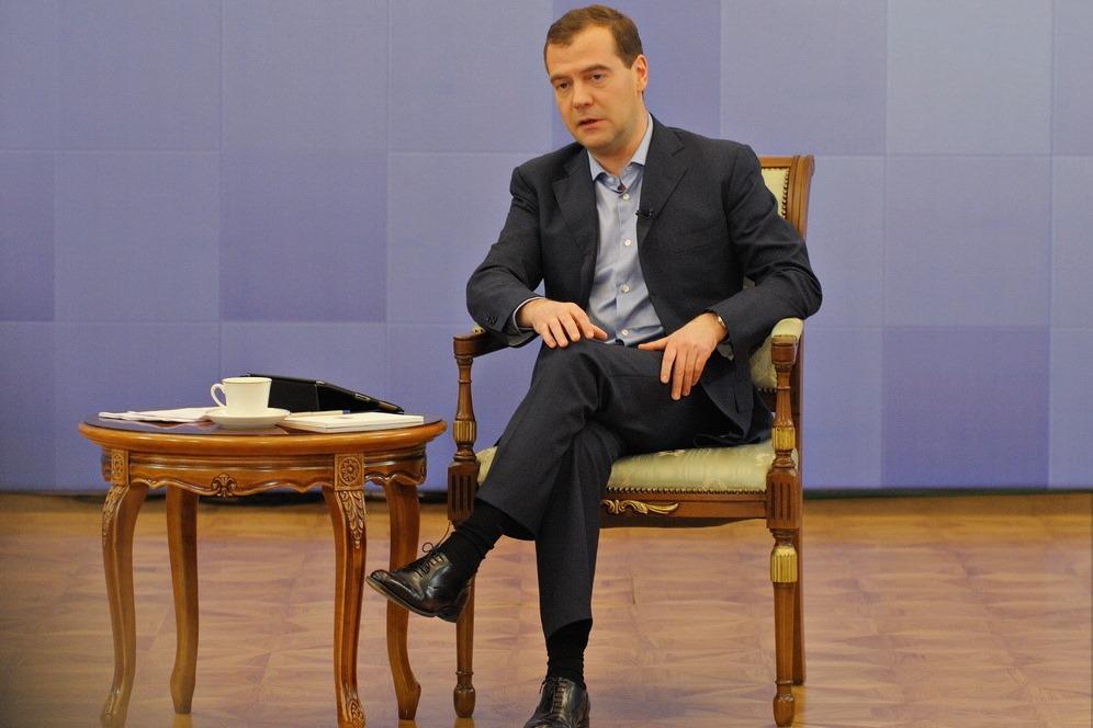 Медведев: Россия будет сотрудничать и с Западом, и с Востоком