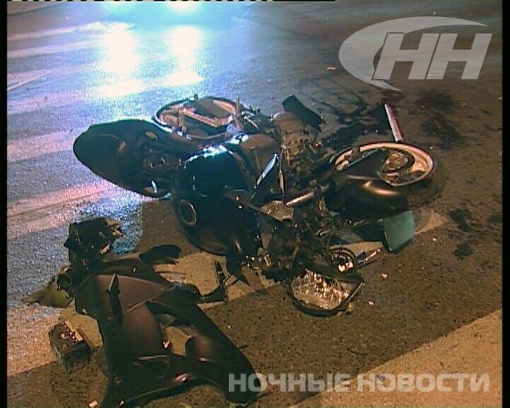В Екатеринбурге мотоциклисты разбились о Chevrolet