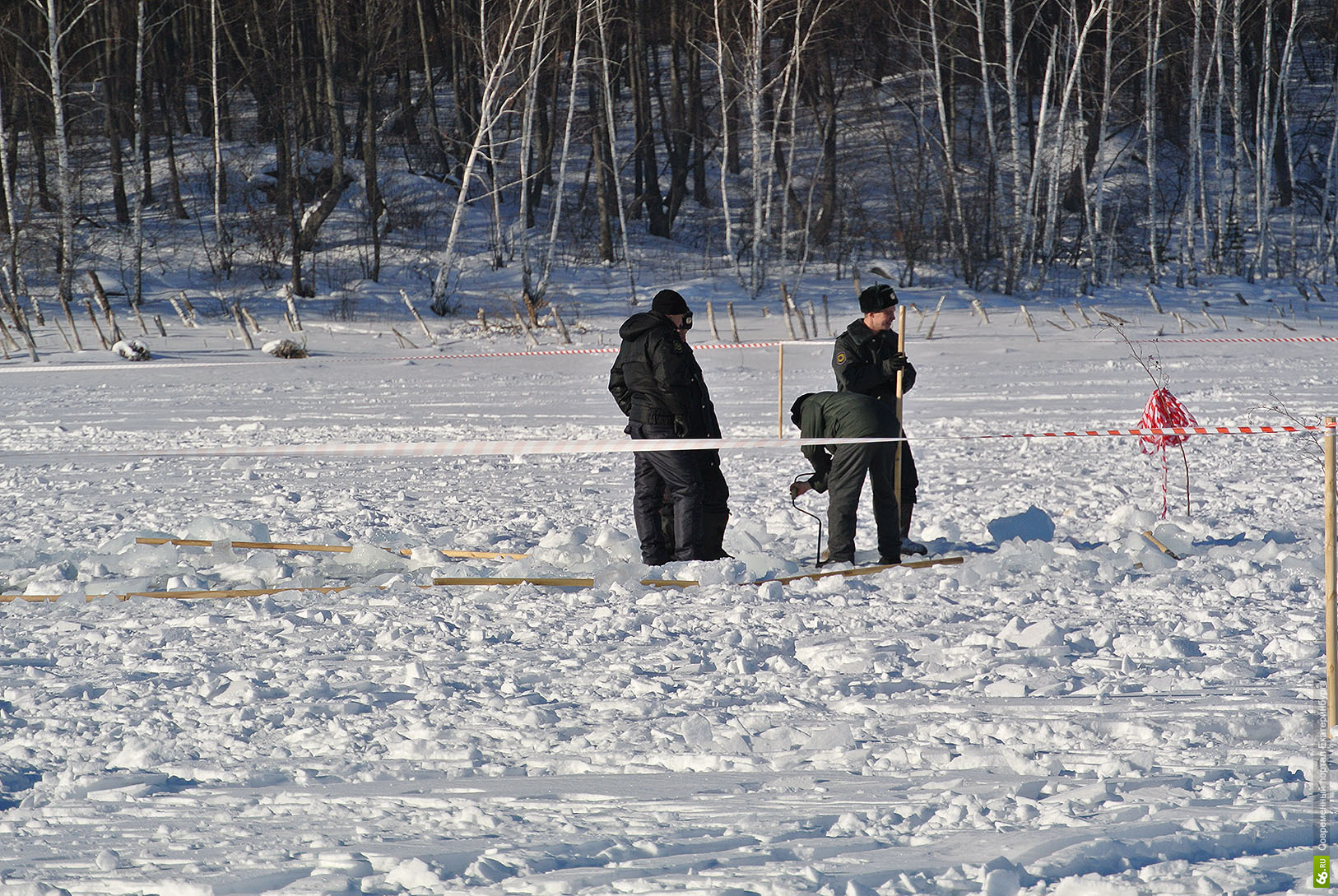Оцепление на озере Чебаркуль (27.03.2013)