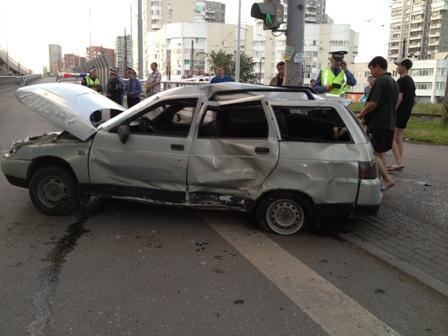 На Московской от столкновения Toyota и «одиннадцатой» пострадали три пешехода