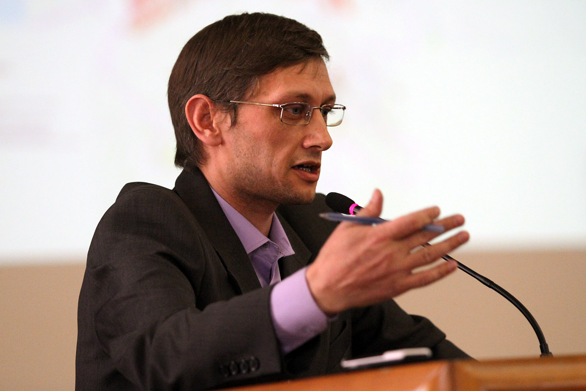 Олег Букин хочет изменить закон, чтобы сохранить Центральный стадион и ОММ