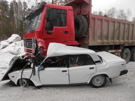В ДТП с грузовиком под Верхней Пышмой погибла молодая женщина