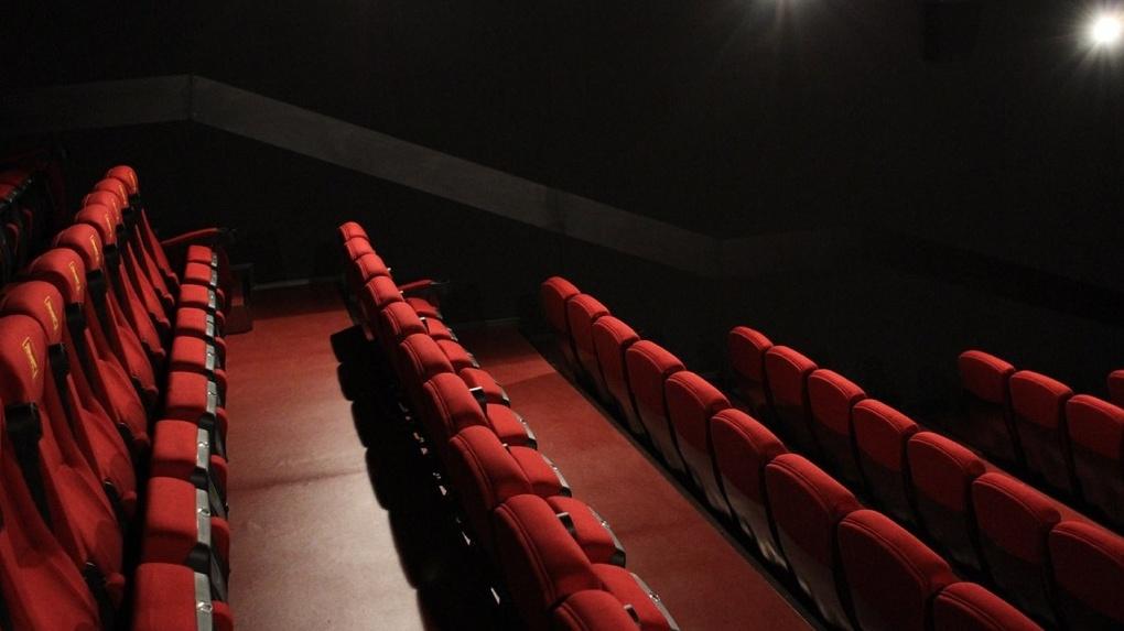 «Меня же посадят». Директор кинотеатра объясняет, почему он отказался от проката «Матильды»