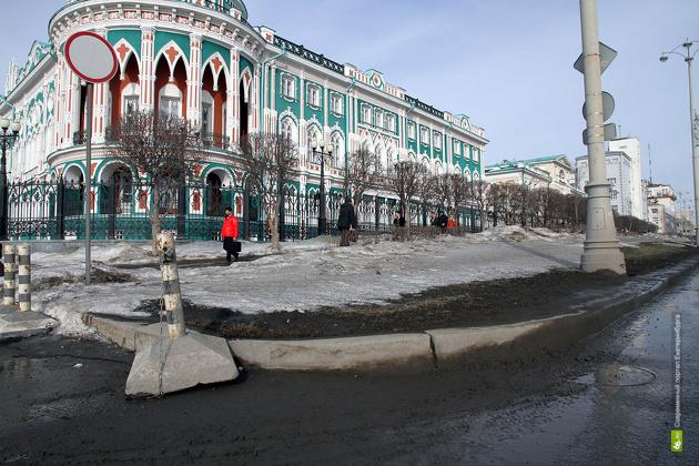 #грязь в душе: Ройзман оценил чистоту улиц Екатеринбурга на твердую четверку