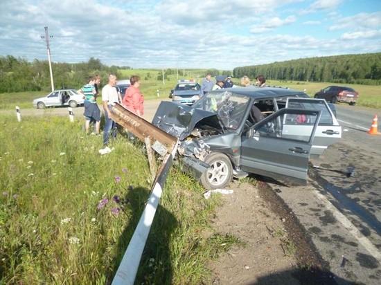 В аварии в Артях пострадали шесть человек