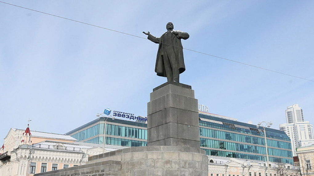 «Чем больше памятников, тем спокойнее жить». Александр Перцев — о том, почему не нужно свергать Ленина