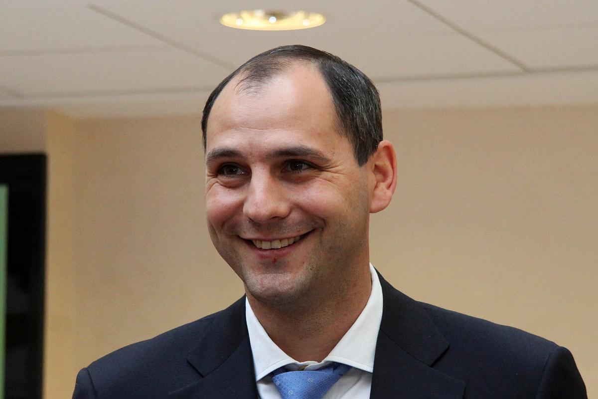 Паслер обещал сдержать рост тарифов ЖКХ