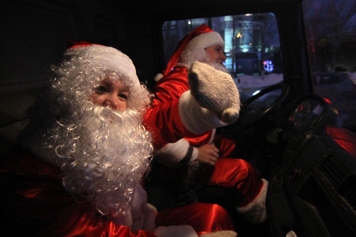 Репортаж 66.ru: рождественские приключения Санта-Клауса на Урале