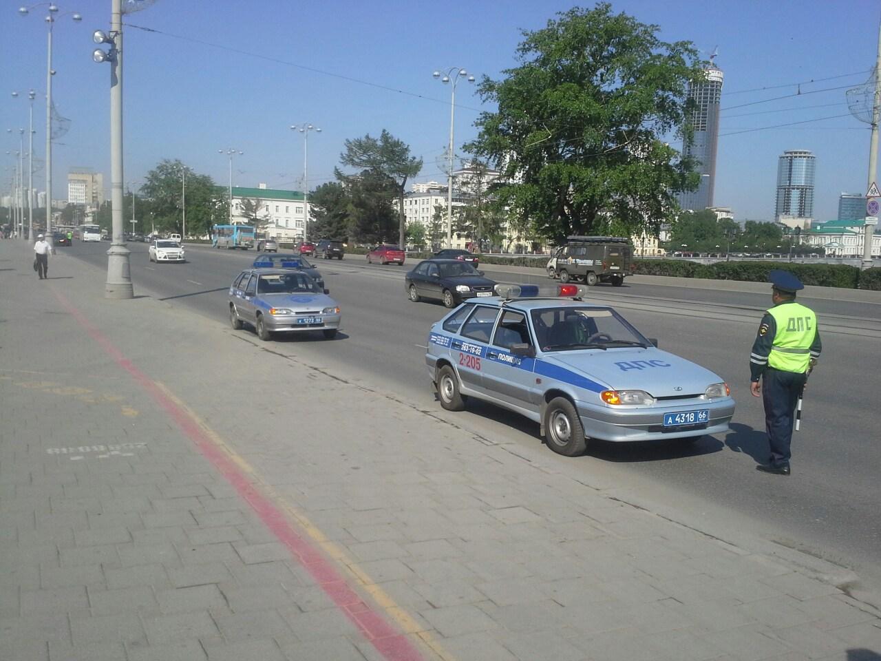 Учения полицейских в центре Екатеринбурга взволновали горожан