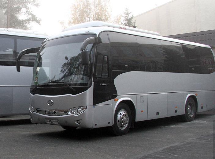 У автобуса, ехавшего в Екатеринбург из Соль-Илецка, взорвалась покрышка