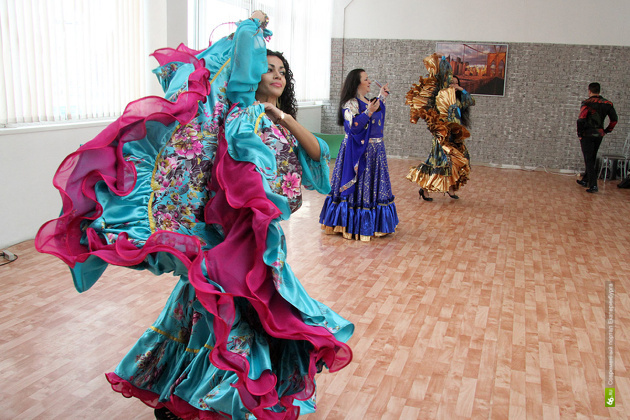 Екатеринбургские цыгане попросили открыть для них вечерние школы