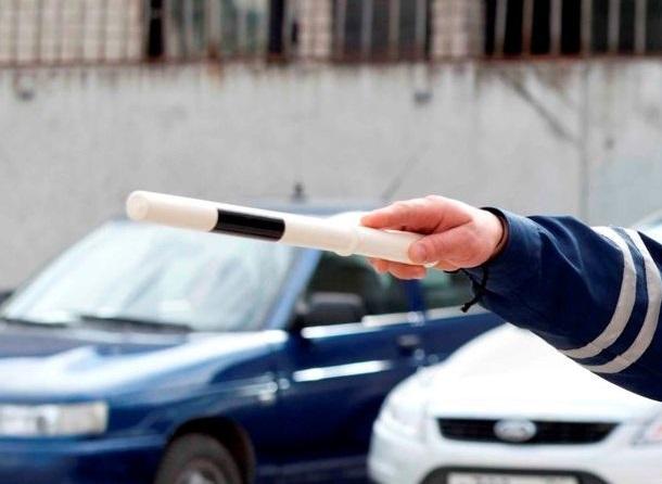 Лучше на такси: в праздники ГИБДД будет усиленно ловить пьяных водителей