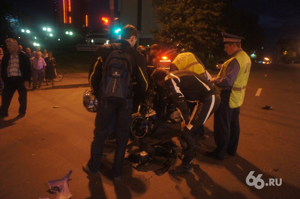 Мотоэкипировка спасла жизнь скутеристу