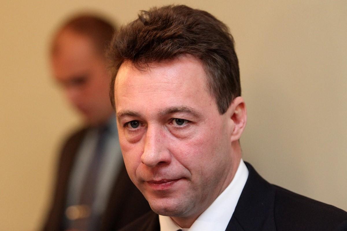 Пронесло: Кремль пока не собирается выгонять Холманских