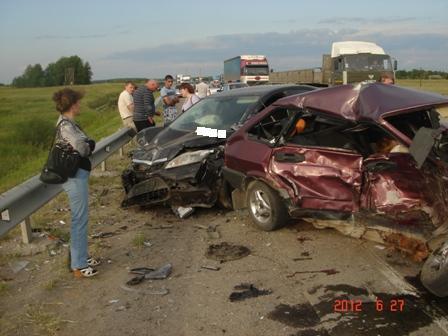 В ДТП на трассе под Камышловом погибла водитель легковушки