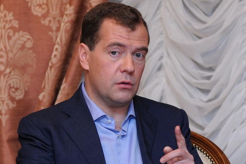 Медведев: шансы России на ЧМ-2014 зависят от небесных раскладов