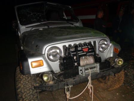 Пьяный водитель Jeep Wrangler отправил жену и ребенка в больницу