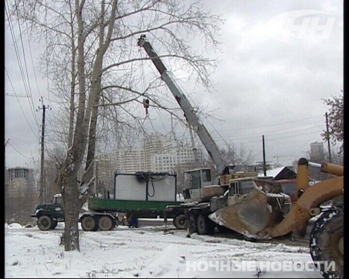 На Авиационной рухнул строительный вагон