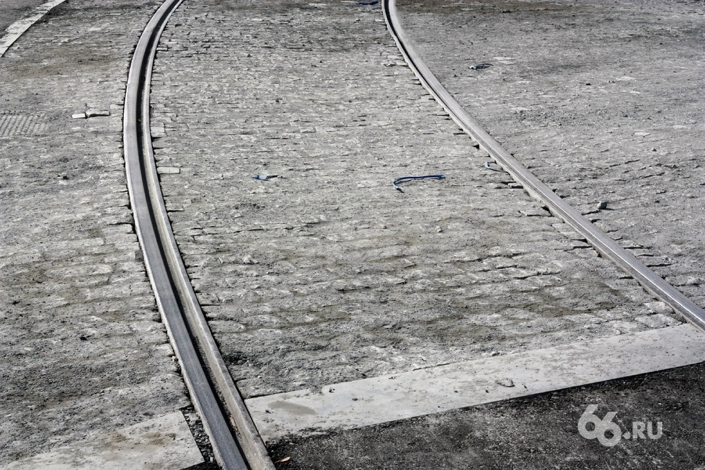 На проспекте Ленина из-за ДТП перекрыто трамвайное движение