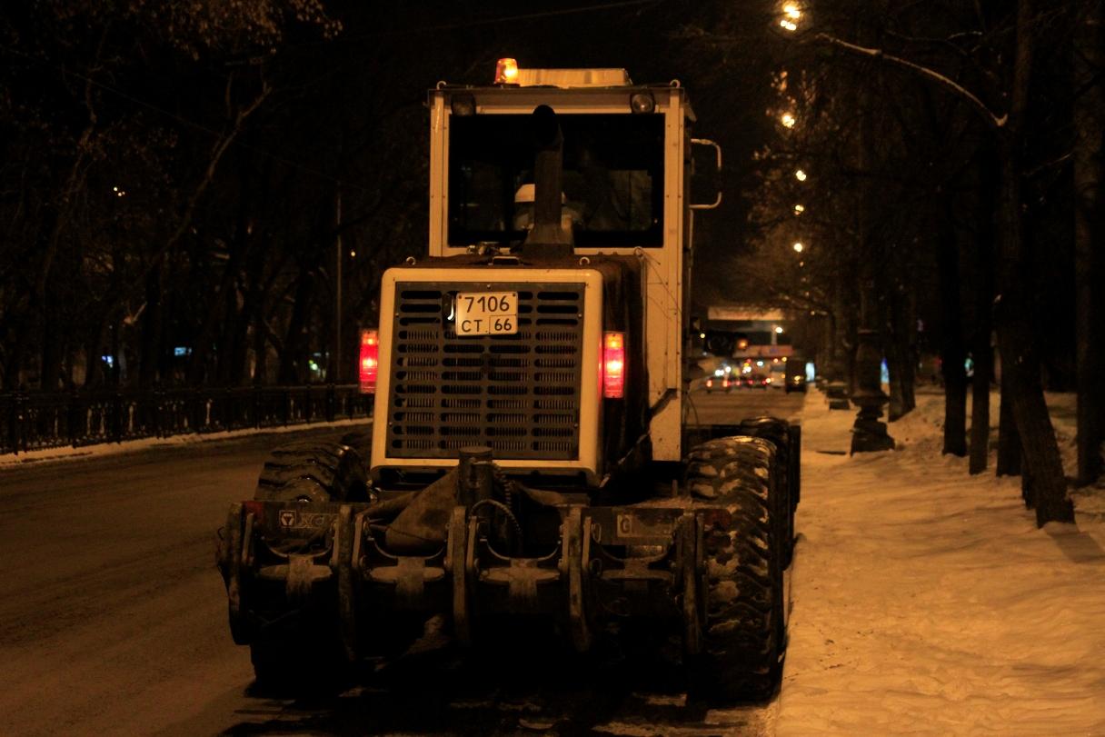 В Верх-Исетском районе пять ночей подряд будут убирать улицы