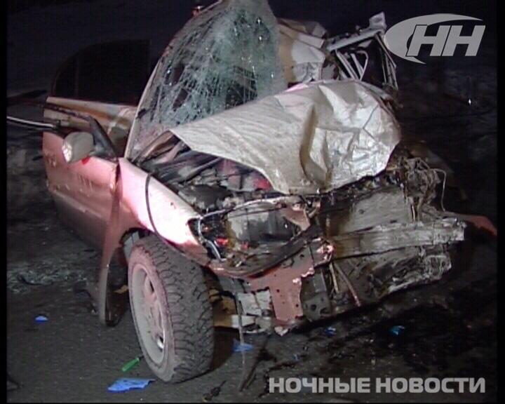 На ЕКАД произошло лобовое столкновение Honda с фурой