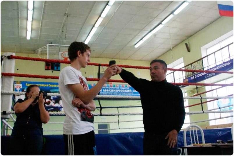 Константин Цзю провел мастер-класс для юных боксеров Серова