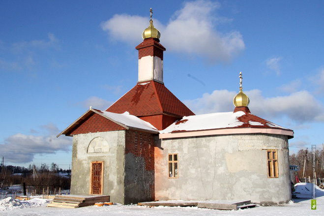Казаки просят екатеринбуржцев достроить им храм