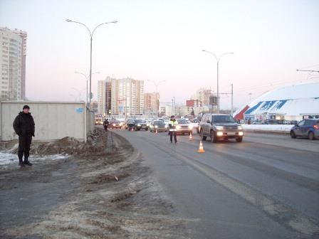 Владельцев бордовых «семерок» просят приехать в ГИБДД Екатеринбурга