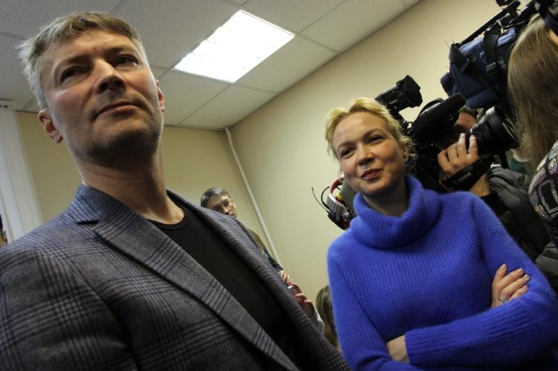 Мэр Екатеринбурга объяснил, зачем просиживает рабочее время в суде с Аксаной Пановой
