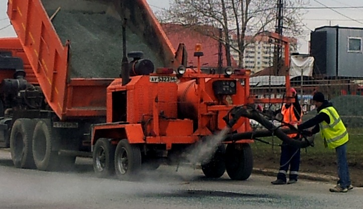 Новосибирскую вторую латают после прохождения танков
