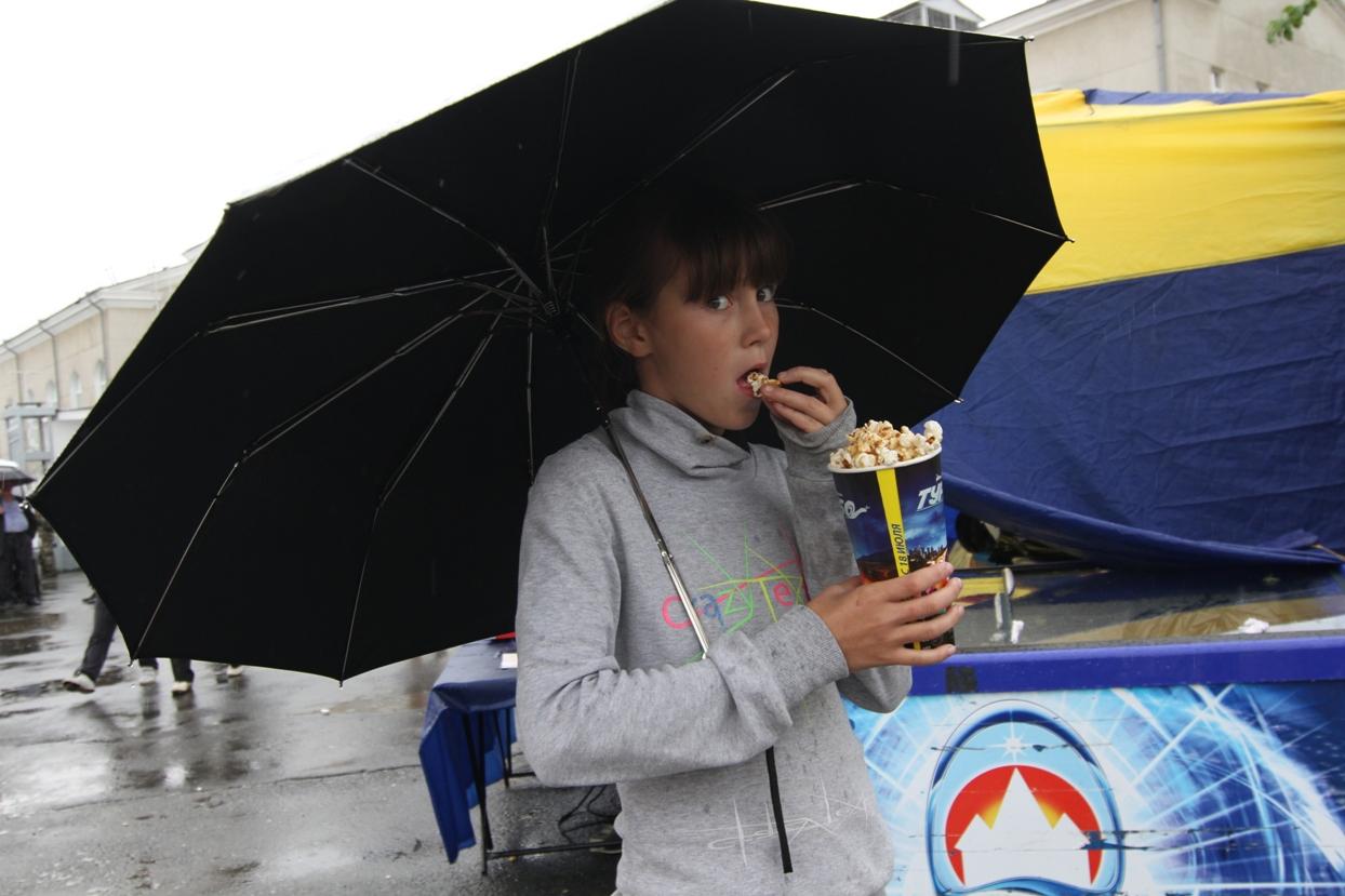 Последние выходные июля проведем под зонтом