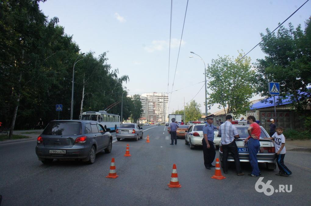 В Екатеринбурге Nissan сбил мальчика прямо на зебре