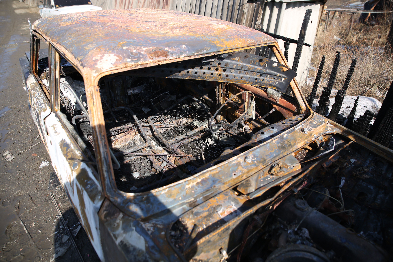 На улице Челюскинцев в автомобиле сгорела женщина